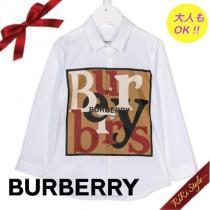 【大人も着れる】BURBERRY ブランドコピー通販 スカーフプリントロゴシャツ ホワイト iwgoods.com:p56py5-1