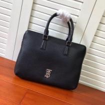 バーバリー トートバッグ 新品 抜群な相性で大活躍 メンズ Burberry コピー ブラック デイリー ロゴ入り おすすめ 最低価格 iwgoods.com v8vWXr-1