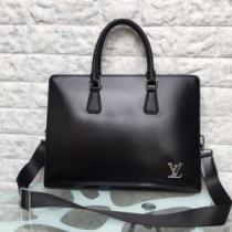Louis Vuitton ビジネスバッグ メンズ カジュアルなコーデに仕上げるアイテム ルイ ヴィトン コピー ブラック おすすめ 完売必至 iwgoods.com eGD05f-1