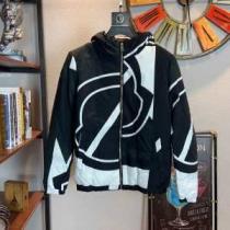 絶対に押さえておきたい人気色 メンズ ダウンジャケット 2019-2020年秋冬シーズンのトレンド モンクレール 大人っぽい雰囲気が感じ  MONCLER iwgoods.com H1bOHn-1