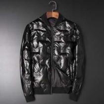ダウンジャケット メンズ  今季らしい着こなし存在感 フェンディ とても良い抜け感を演出  FENDI 人気ランキング2019秋冬新作 iwgoods.com TniOfm-1