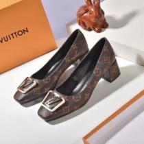ルイヴィトン ブーツ レディース 大人カジュアル感が素敵 Louis Vuitton コピー 通販 ストリート コーデ 日常 品質保証 1A64FY iwgoods.com Xb0HHj-1