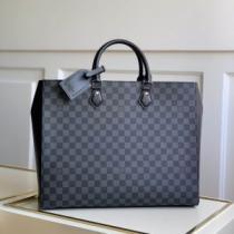 エレガントな雰囲気 ルイ ヴィトン LOUIS VUITTON おしゃれな人が持っている ビジネスバッグ iwgoods.com i01ruu-1
